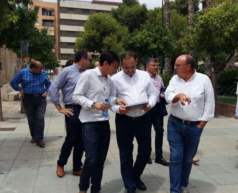 García y Ábalos, en la visita a la ciudad. EPDA