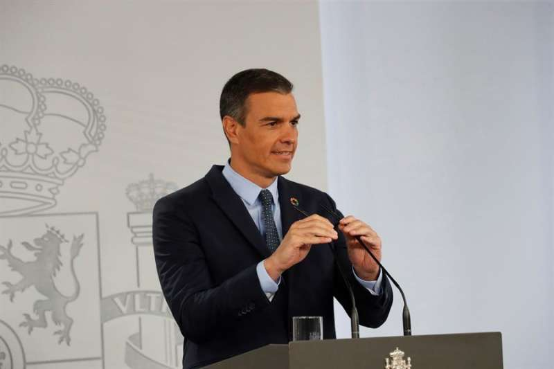 El presidente del Gobierno, Pedro Sánchez, durante su comparecencia ante los medios tras la reunión del Consejo de Ministros celebrado hoy. EFE/Zipi