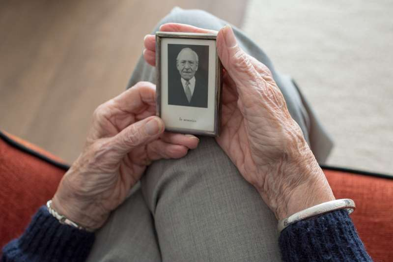 Los pensionistas por viudedad de la Comunitat están en la cola de ingresos del país