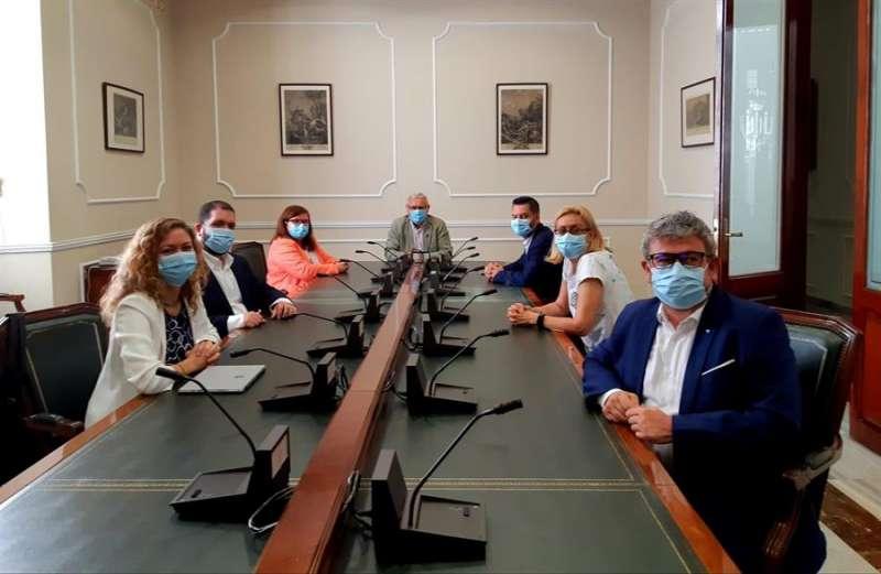Fotografía de la reunión facilitada por el Ayuntamiento de València.