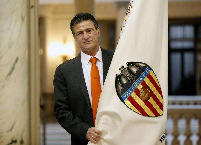 El ex futbolista argentino Mario Kempes, uno de los más emblemáticos de la historia del Valencia CF. EFE/Archivo