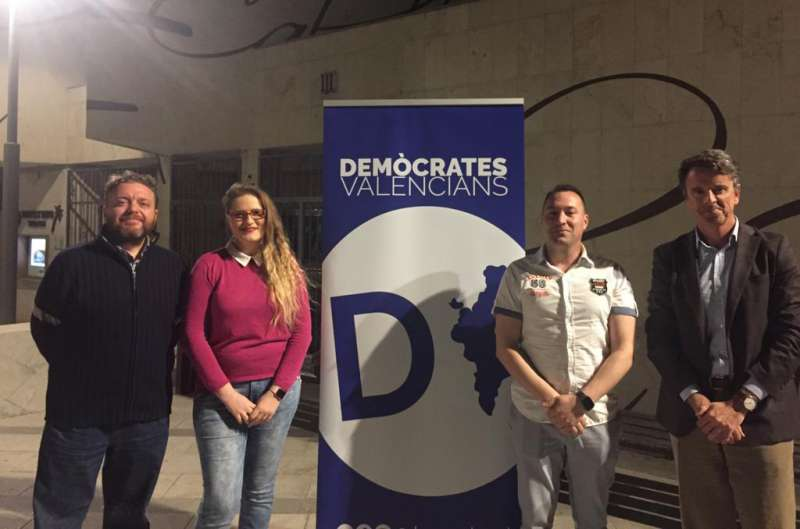 Demócratas Valencianos ofrece una opción centrista