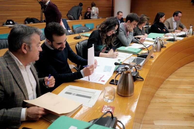 La Comisión de Economía de Les Corts debate el proyecto de ley de Presupuestos de la Generalitat para 2020. EFE/Kai Försterling