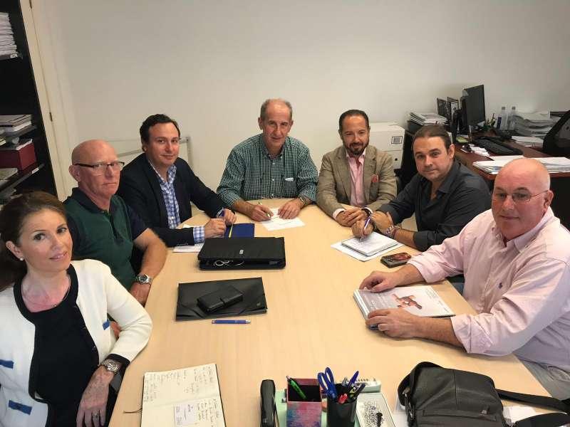 Reunión mantenida en el Ayuntamiento de Manises.