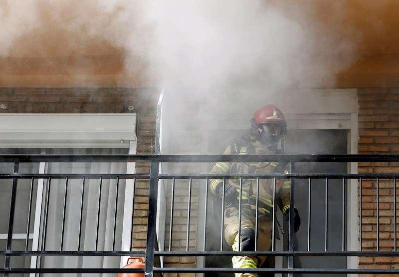Imagen de archivo de un incendio en una vivienda / EFE