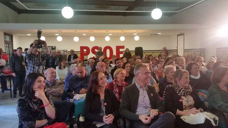 Lleno en el Nou Espai en el acto de los socialistas. EPDA