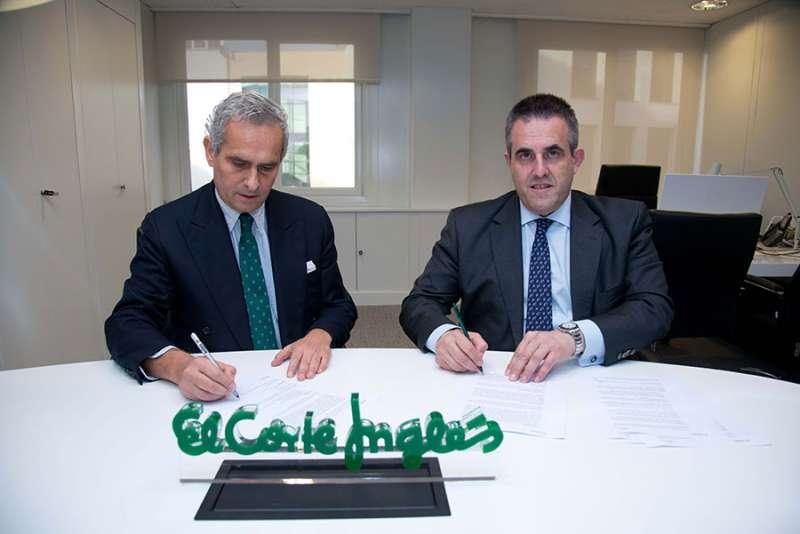 Rodrigo Cipriani, de Alibaba Group y Víctor del Pozo, de El Corte Inglés.FOTO ECI