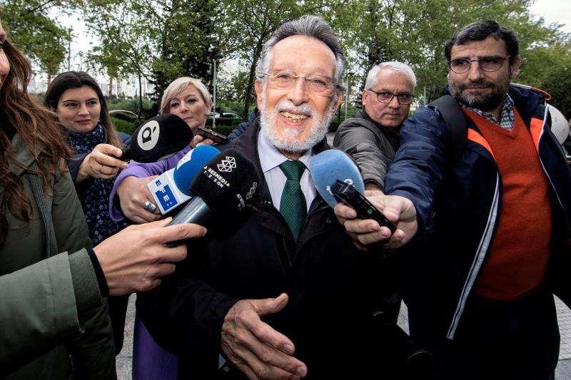El exvicealcalde de Valencia Alfonso Grau (PP) a su llegada a la Ciudad de la Justicia, en una jornada anterior. EFE