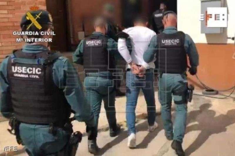 Captura de un vídeo facilitado por la Guardia Civil, de la detención del novio de la joven desaparecida en Vinaròs (Castellón). EFE/ Guardia Civi