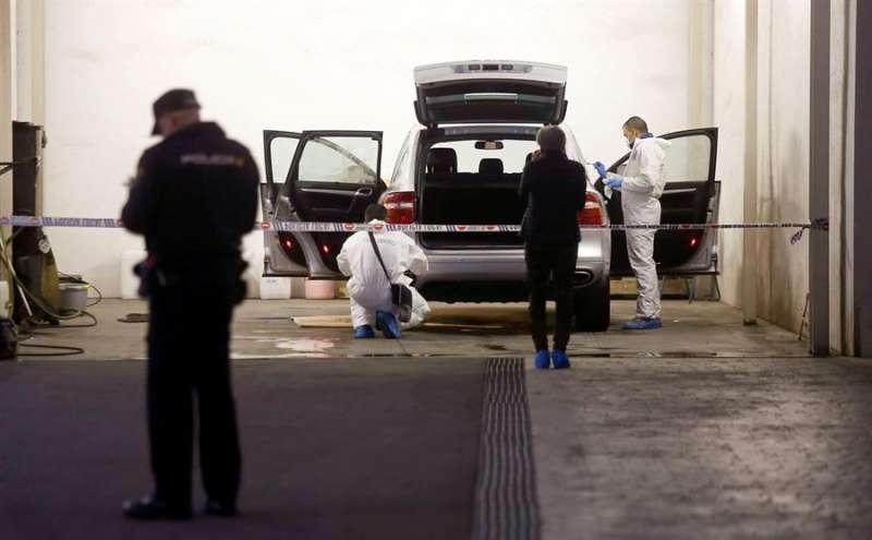 Registro del vehículo en el que la viuda de Vicente Sala fue hallada muerta de un disparo en la cabeza. EFE/Manuel Lorenzo/Archivo