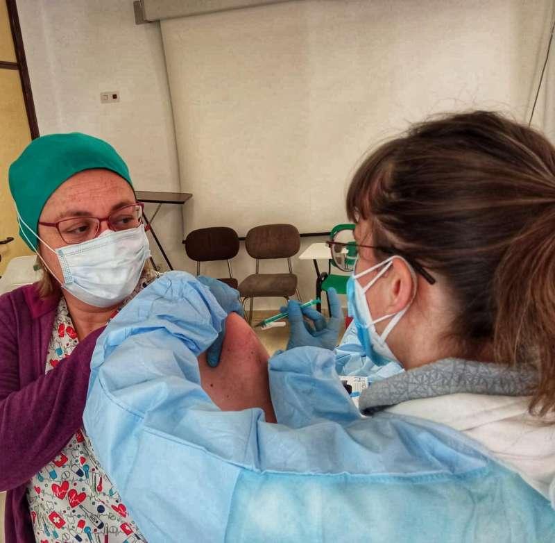 Vacunación sanitarios en Paterna. epda