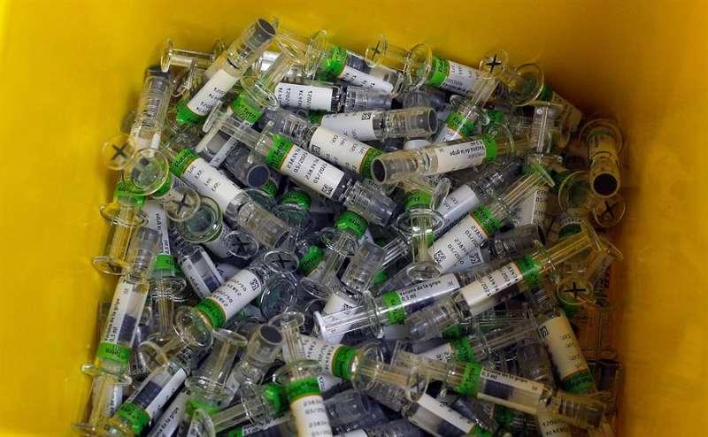 Dosis de vacunación contra la gripe, en una imagen del comienzo de la campaña. EFE