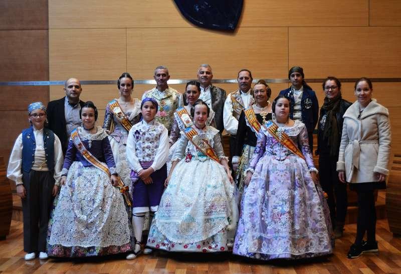 Les falles de Vilamarxant assisteixen a la recepció de la Diputació de València