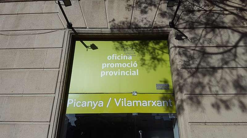 La oficina de Promoción Turística está junto al Teatro Principal de Valencia. EPDA.