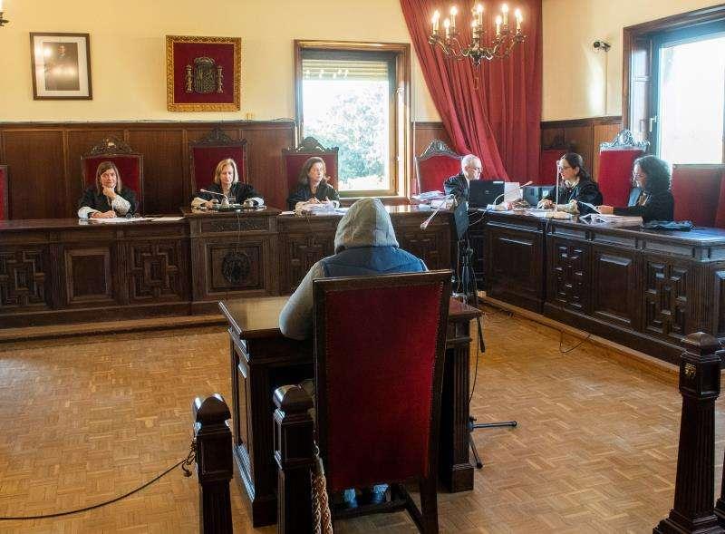 Un acusado durante un juicio. EFE/Archivo