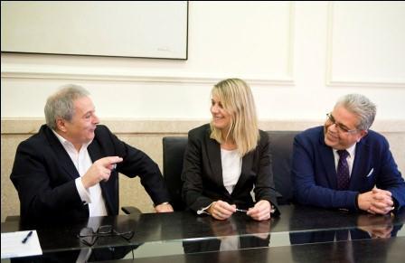 Firma convenio entre la Diputación de Valencia y UNRWA. Foto: Abulaila