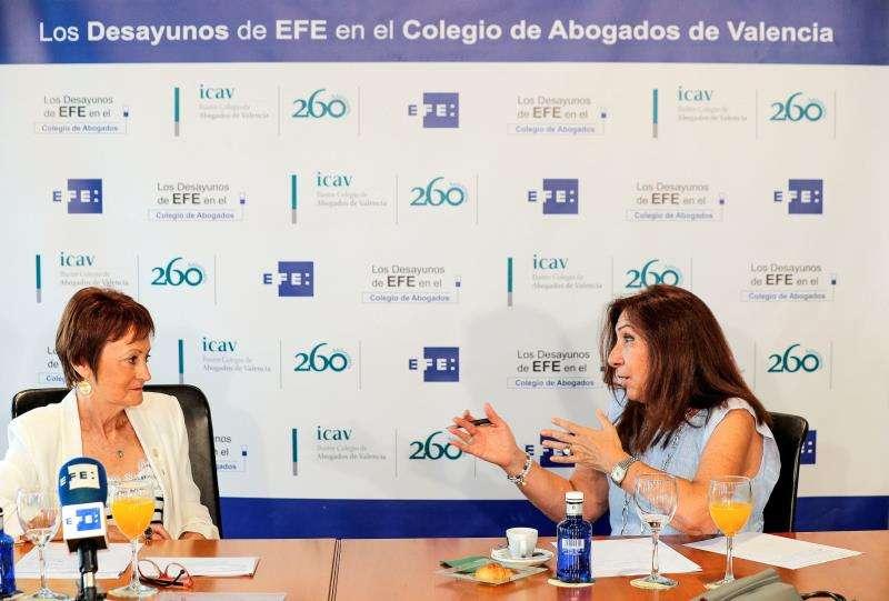 La rectora de la UV en los Desayunos de la Agencia EFE en el Colegio de Abogados de València. EFE