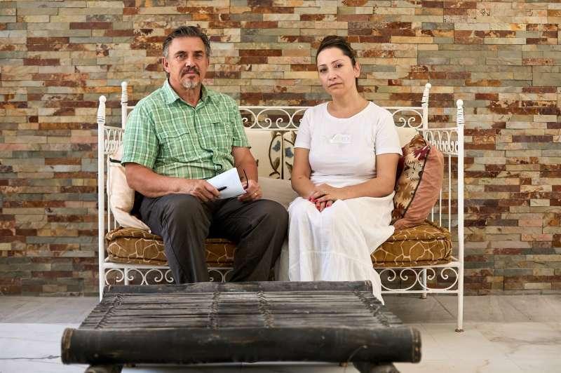 El director del Comité Cultural Asociación de Afganos en España, Subot Kohi, (en la imagen, junto a su mujer, Roya Subot) ha manifestado que es