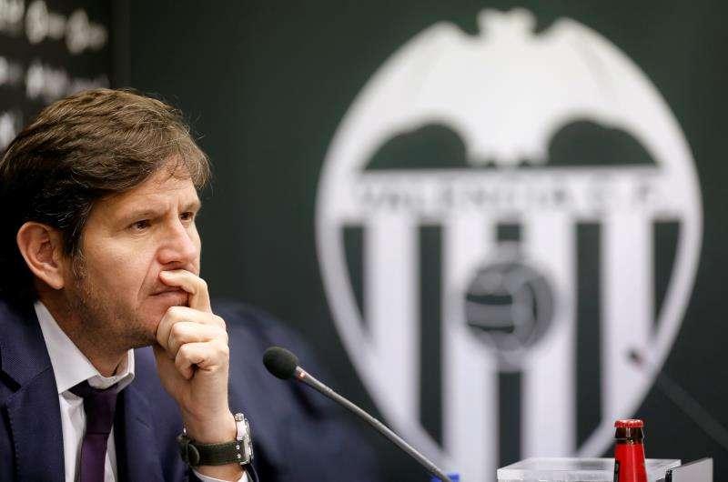 El director general y portavoz del Valencia CF, Mateu Alemany, durante una rueda de prensa. EFE/ Archivo