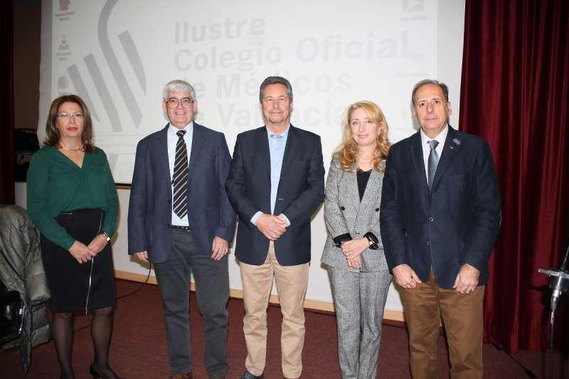 De izquierda a derecha, Dr. Pedro Ibor, Dr. Ricardo Campos, Dra. Mercedes Hurtado, D. Justo Herrera y Doña Carmen López. EPDA