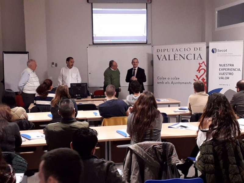 El concejal del Quart de Poblet y diputado provincial de Proyectos Europeos, Bartolomé Nofuentes,en la clausura de las jornadas. EPDA