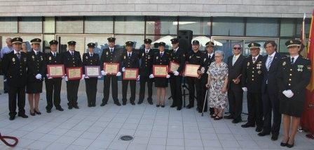 Imagen de los premiados por Policía Nacional en el Día de los Ángeles Custodios. FOTO: EPDA.