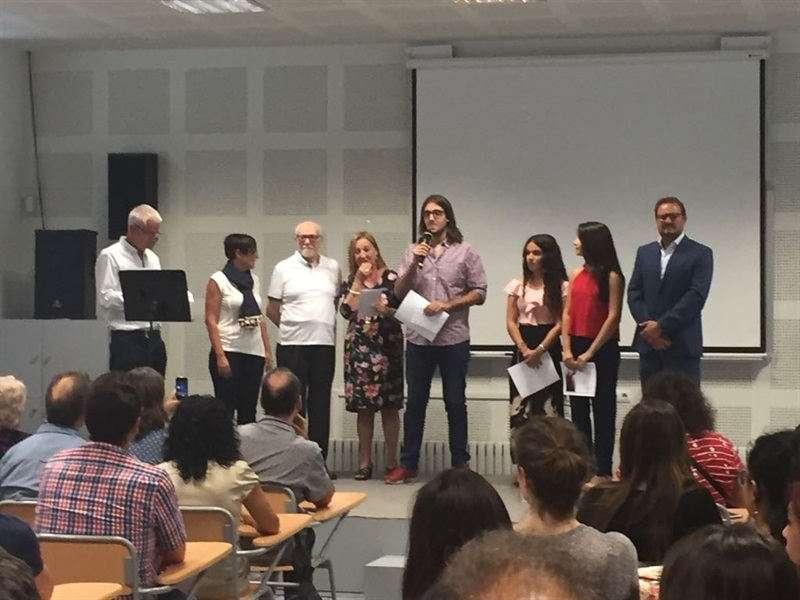 Alcalde de Silla amb guanyadors dels premis Rosa Antich i María i José Zaragozá. EPDA