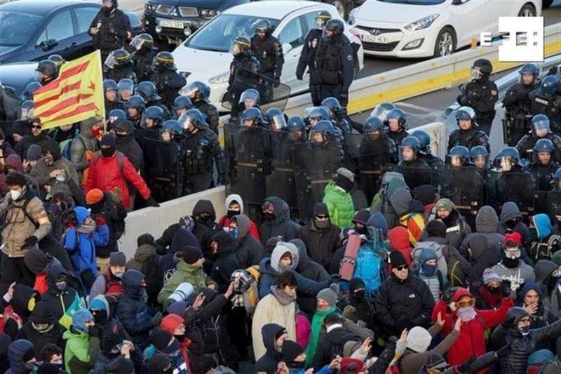 Protesta convocada por Tsunami Democràtic en protesta por la sentencia del