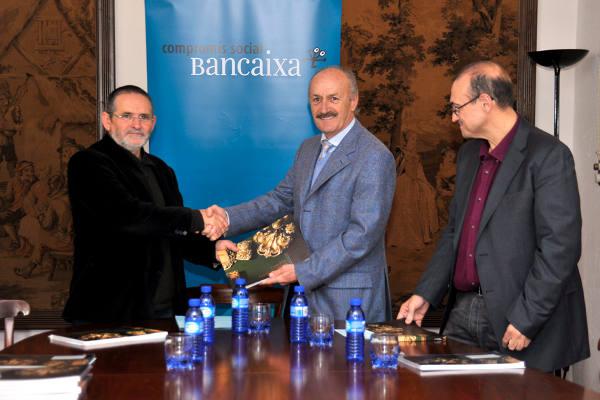 El presidente de la Fundación Bancaja de Sagunto en el momento de la presentación del libro. JUAN HIGUERAS