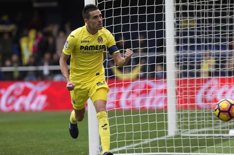 El centrocampista del Villarreal CF Bruno Soriano celebra un gol, en una imagen de archivo. EFE