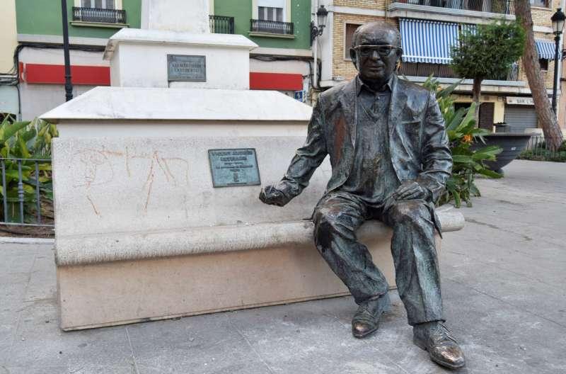 Estatua de Estellés en Burjassot. EPDA