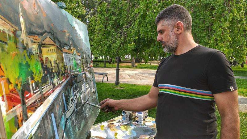 Miguel Soro, trabajando en una de sus obras. EFE