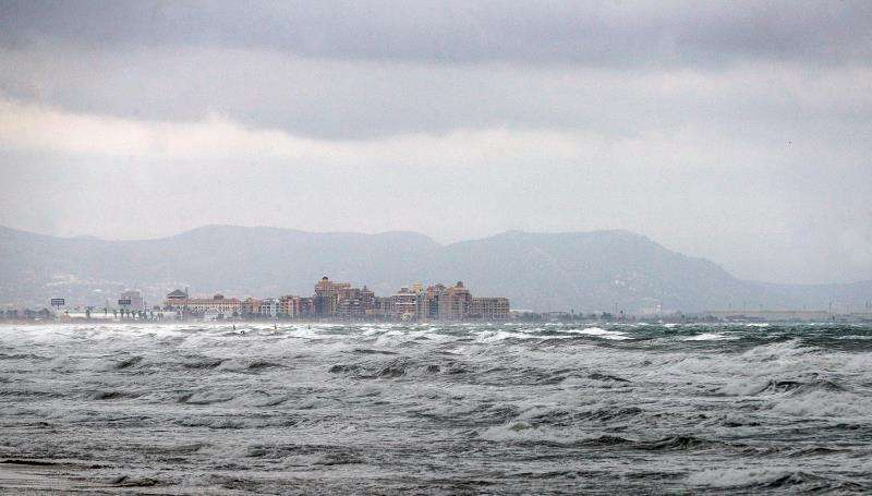 La playa de Port Sa Playa vista desde Valencia. EFE