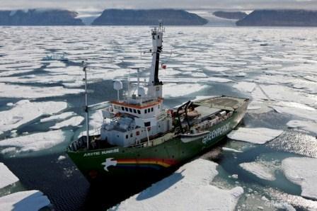 El Arctic Sunrise llegará el próximo viernes día 3 de mayo a Barcelona dentro de una campaña europea para apoyar la pesca sostenible. FOTO: GREENPEACE.