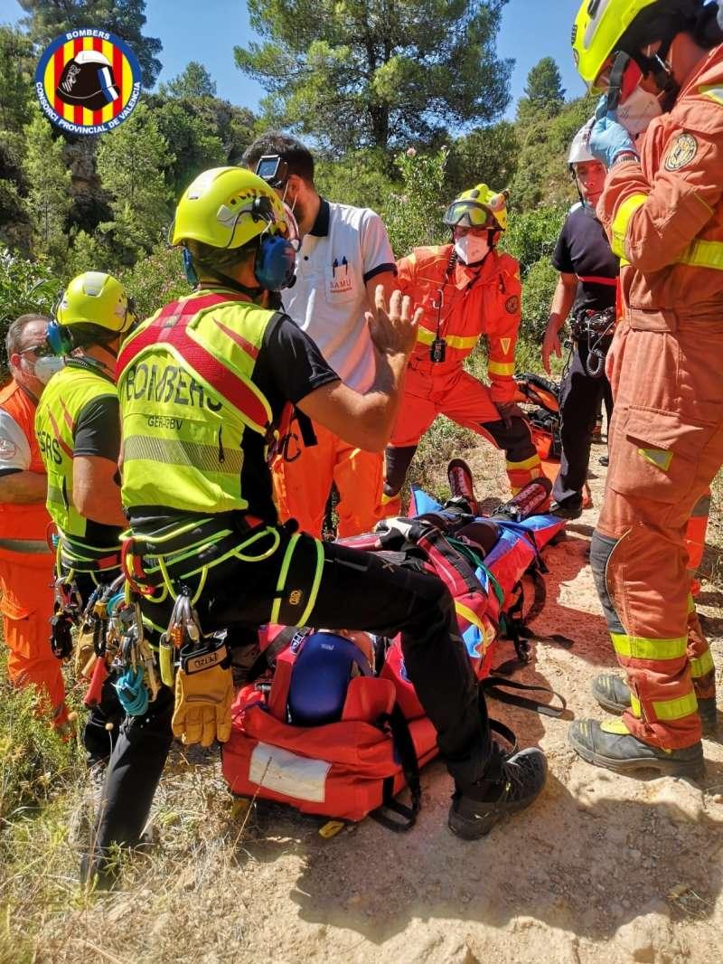 Rescate del hombre por los bomberos
