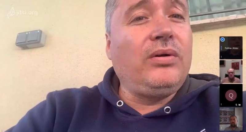 Captura de pantalla de Luis Santa María durante la entrevista.