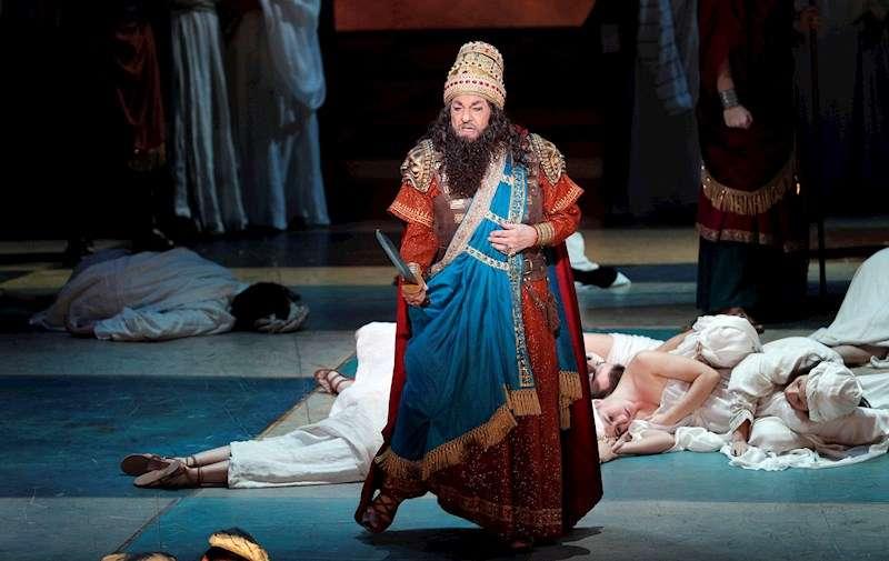 El tenor Plácido Domingo, durante el ensayo general de la ópera de Verdi