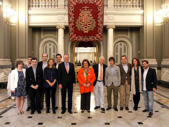 Rita Barberá con las autoridades. FOTO GVA