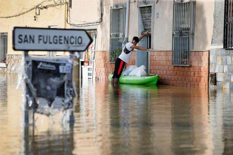 Efectos de la riada.  EFE/Manuel Lorenzo