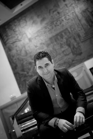 Óscar Navarro posee numerosos premios nacionales e internacionales de composición. FOTO: EPDA