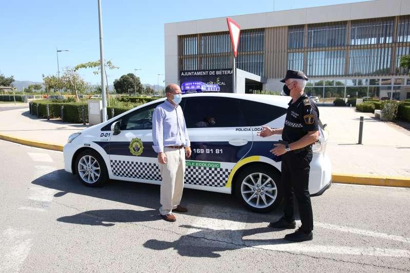 Nuevo vehículo híbrido, Policía Local de Bétera./ EPDA