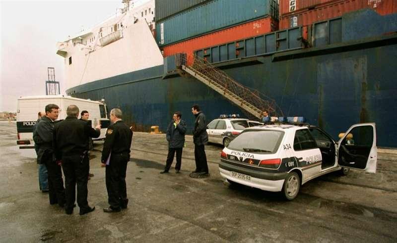 Imagen de archivo de un barco que llegó a València con polizones. EFE