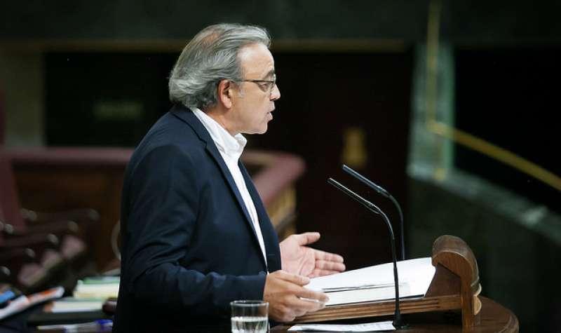 El portavoz del grupo socialista en Les Corts, Manolo Mata