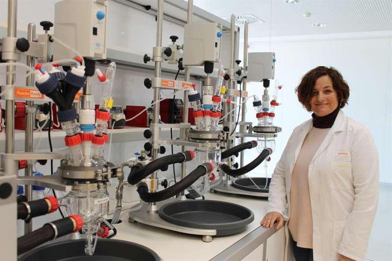 Blanca Viadel, del departamento de bioensayos de AINIA, en una imagen compartida por el centro tecnológico. EFE