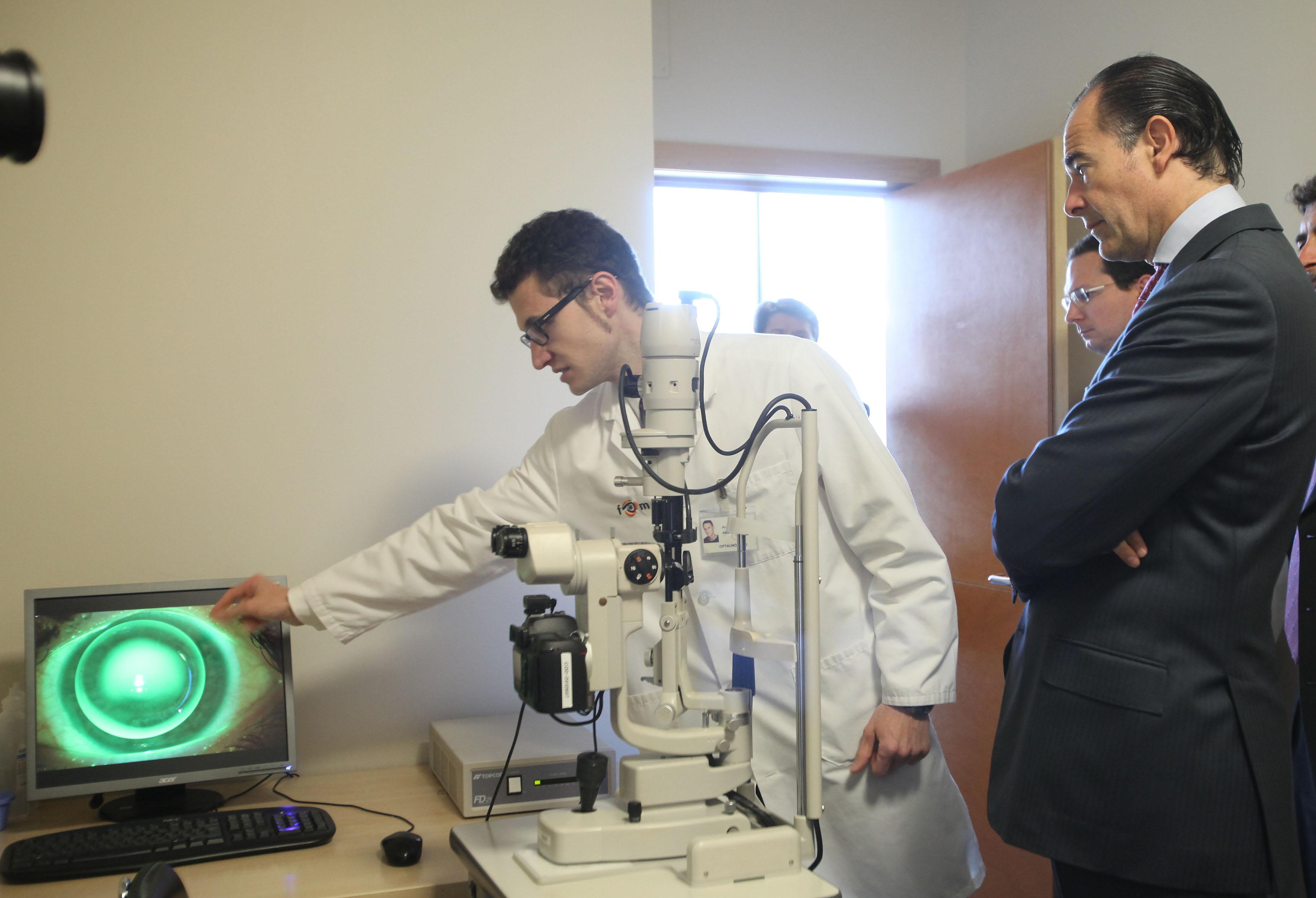 Visita del Conseller de Sanidad a las instalaciones de la nueva unidad.