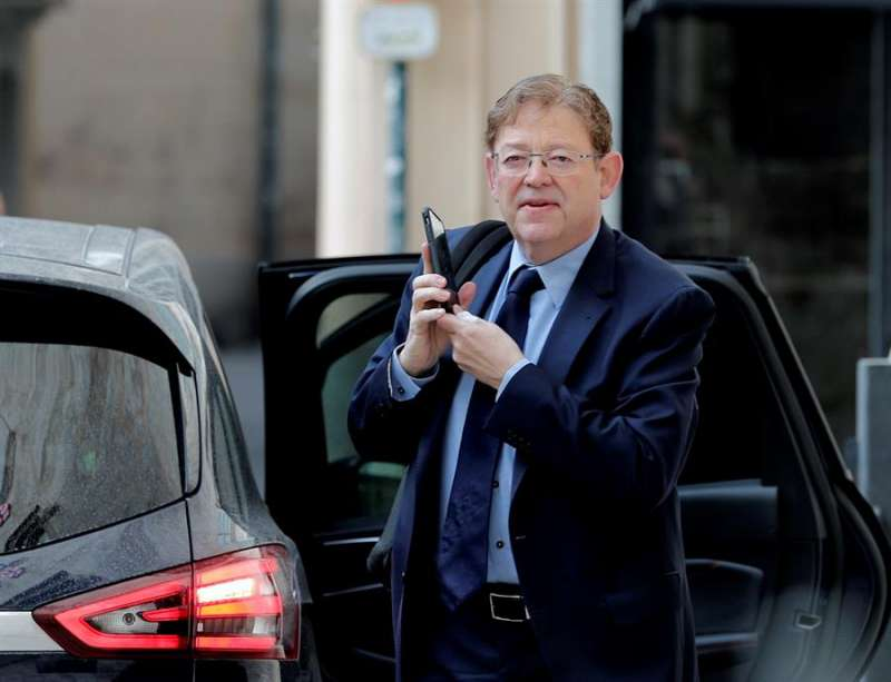 El presidente de la Generalitat Valenciana, Ximo Puig, a su llegada al Palau. EFE