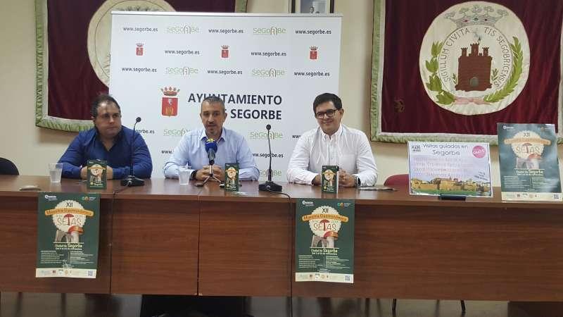 David Marqués y Javier Simón con el alcalde en la presentación
