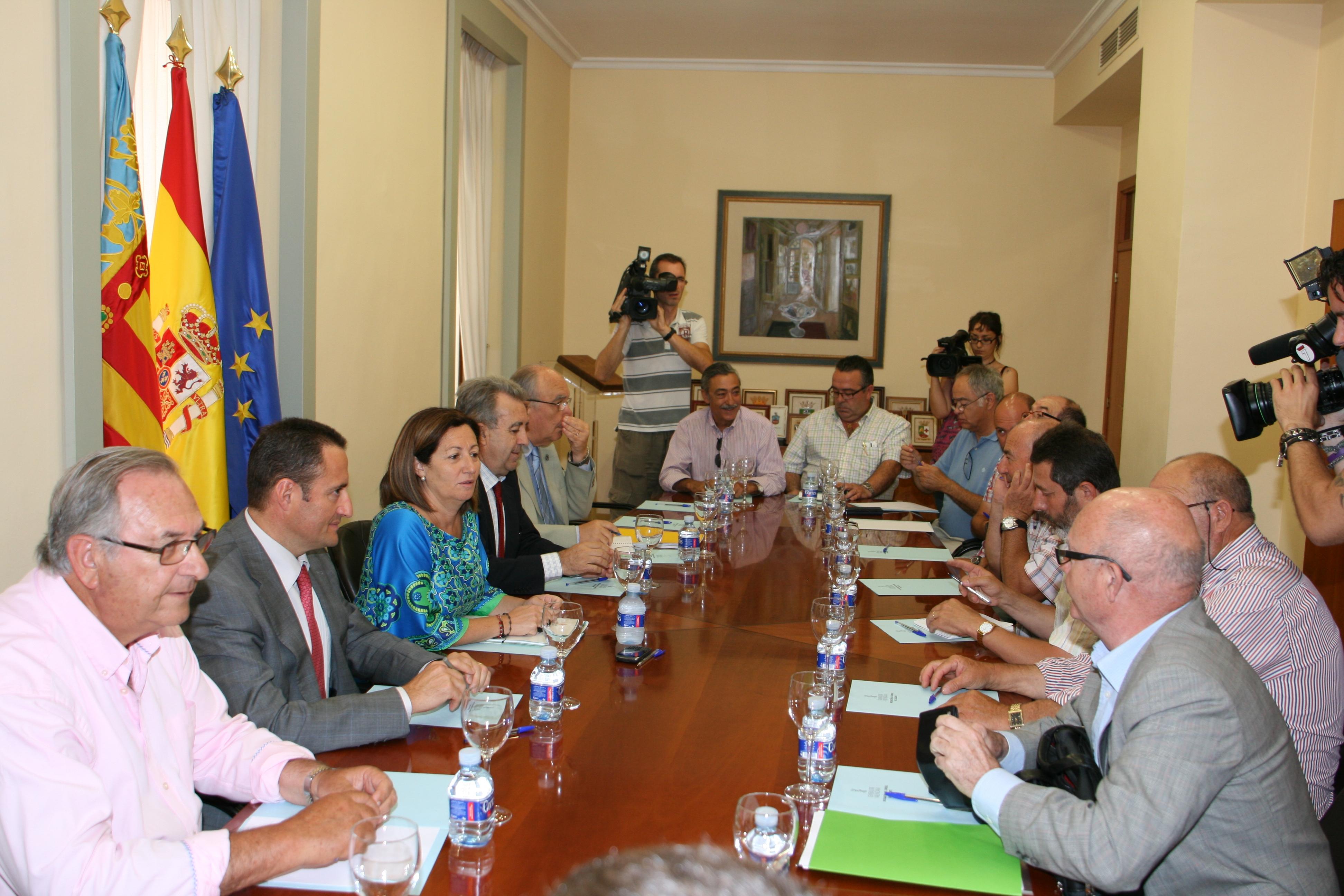 Mesa para el sector de la almendra de la Comunitat y Murcia. Foto EPDA