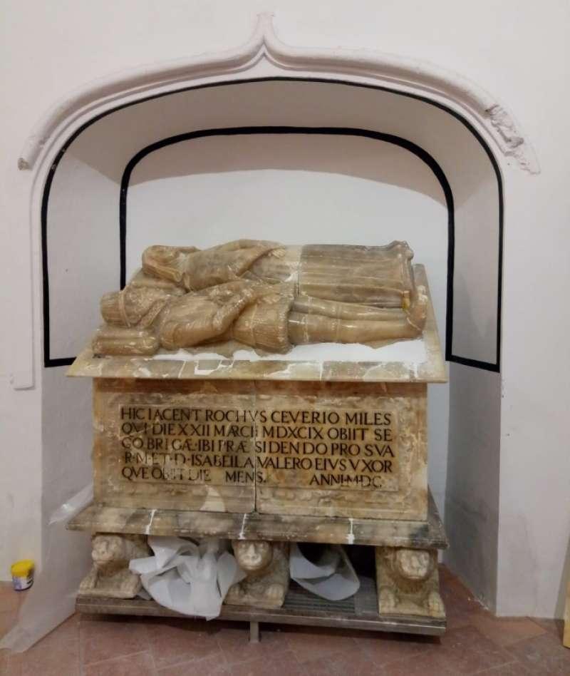 El sarcófago en su lugar de origen. Foto: José A. Planillo