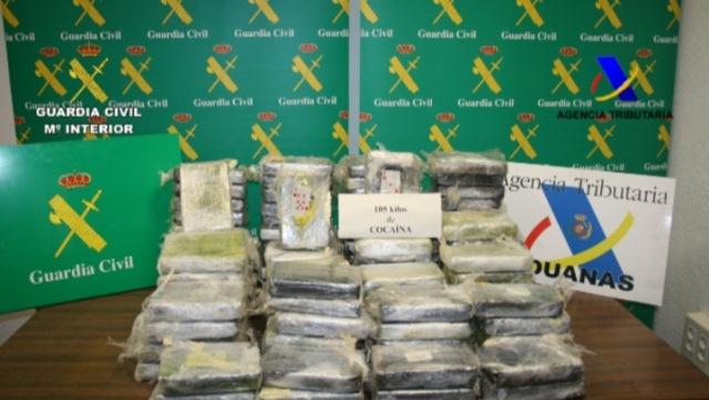 En la operación ?Pebana? se ha detenido a 16 personas y se les imputa los delitos de tráfico de drogas y pertenencia a organización criminal.